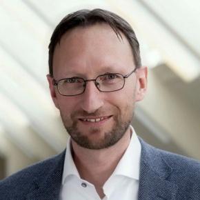 Dr. Andreas Caduff